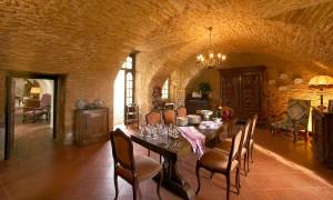 chateau-la-bourgonie-pieces-a-vivre-1